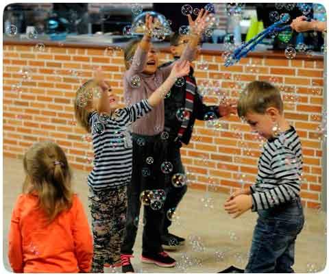Шоу мыльных пузырей в Киеве для детей